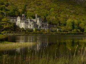 Kylemore Abbey (red)
