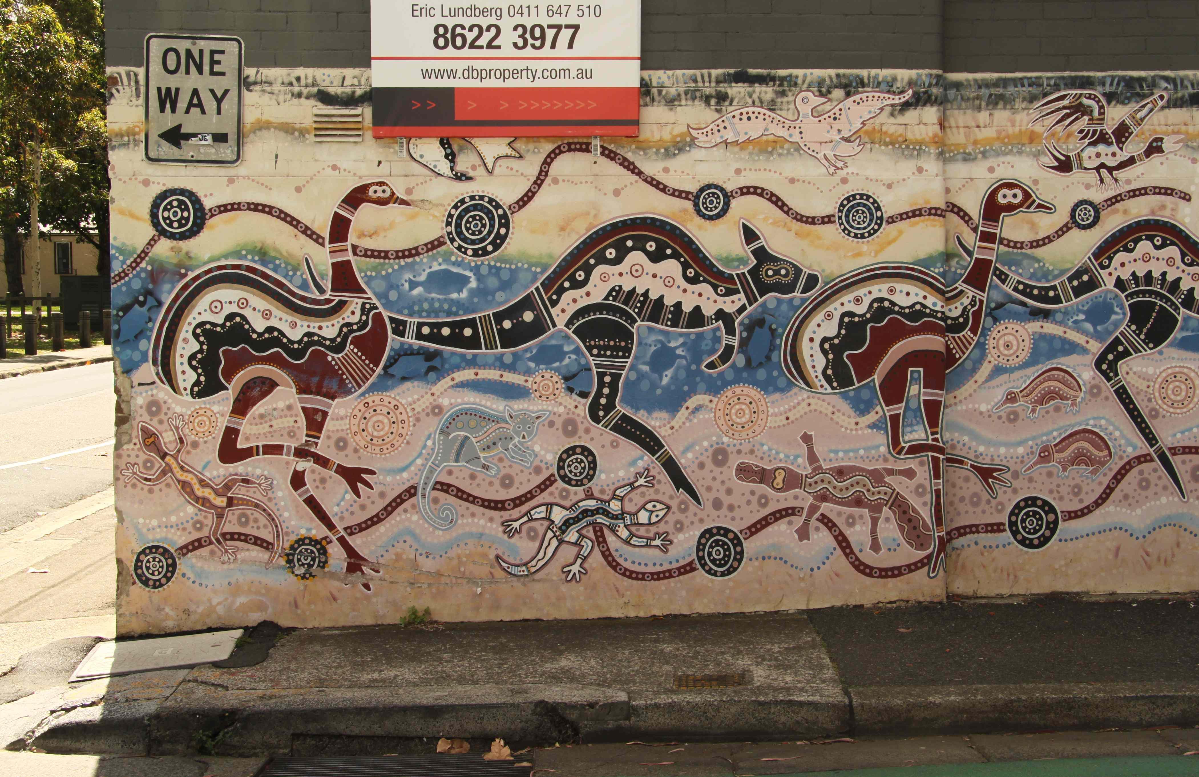 aboriginal wall art shenra com street art newtown sydney richard tulloch s life on the road