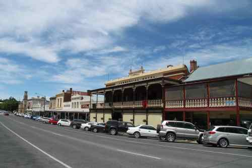 The main drag of Beechworth, Victoria.