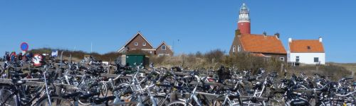 Let's leave the bikes here and go and look at the lighthouse.