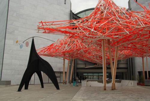 Arne Quinze's Hommage a Alexander Calder rather overpowers Alexander's work...