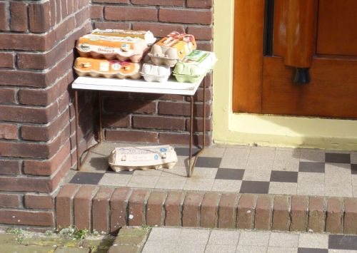 Free range eggs on the doorstep. Just put EUR1.75 in the box and take them.