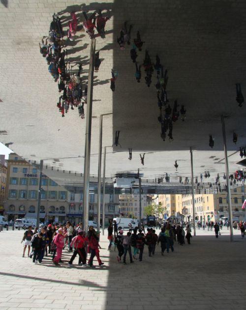 A conger line of schoolchildren.