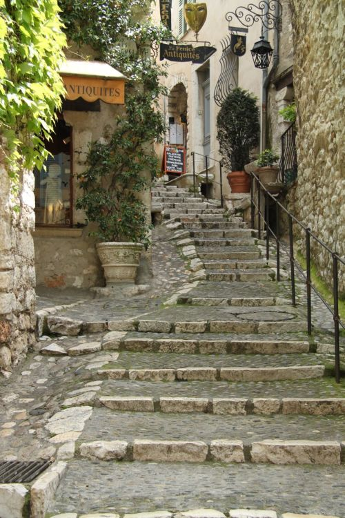 TIP: Winding stone steps help.