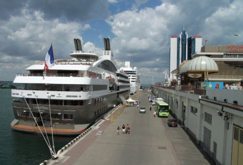 Ever passed these luxury cruise ships and wondered who travels on them? This time it's us.