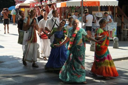 You can cover up and dance with the Ukrainian Hari Krishnas.