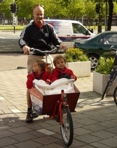 The bakfiets - almost as much fun for kids as riding themselves.