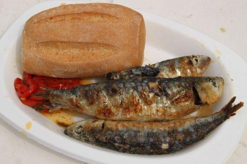 ...and sardinas.