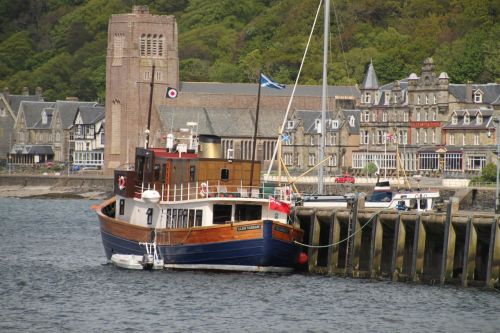 The Tarsan moored in Oban, the starting point of our adventure.