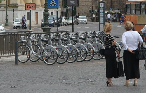 The Verona City Bikes appear to be mainly for decoration at the moment.