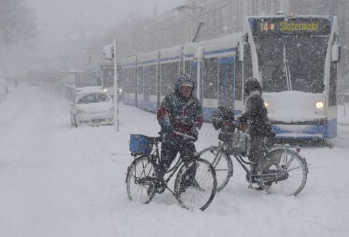 It can get chilly in Amsterdam. Photo: Parool newspaper.