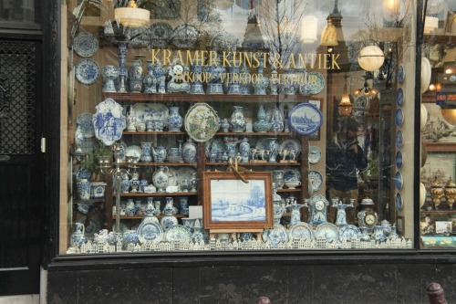 Genuine Delft Blue is more likely to be found in the Spiegelstraat, though it will cost more than in the tourist shops.