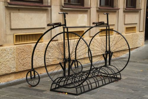 I'm pleased to see any sort of bike rack anywhere, and this is a particularly good one.