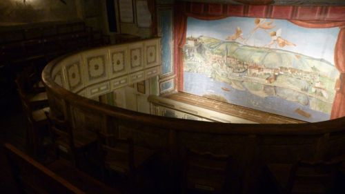 It boasts the oldest theatre in Austria. The Stadttheater in Grein has operated since 1791. Still a gorgeous little theatre!