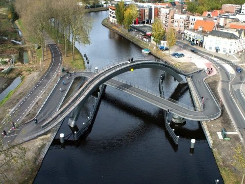 Melkweg ('Milky Way') Bike and pedestrian bridge, Purmerend. Architects: Next. Photo: Velo City, published Prestel 2014.