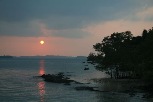 Sunset at Telunas Beach.