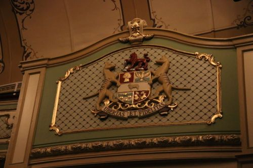 Note the coat of arms by the royal box - two Tasmanian tigers.