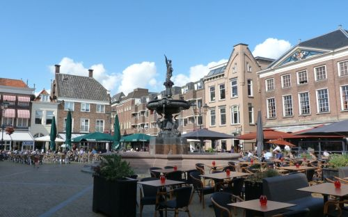 There are plenty of Dutch people who know little about Gorinchem. Nice square though, when the sun is shining...