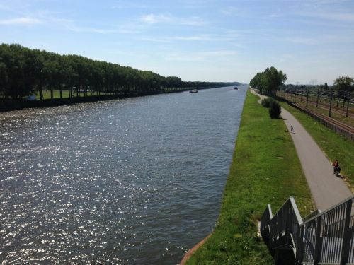 The Rhine Canal connects Amsterdam with Utrecht and beyond. It's designed for barges of course, but note the bike path beside it.
