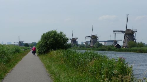 The Kinderdijk is one of Nederland's most photographed attractions, but it was our first time here.